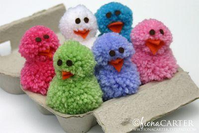 pompom kuikentjes.. how cute! Zelf maken? Kijk voor vilt en garen eens op http://www.bijviltenzo.nl