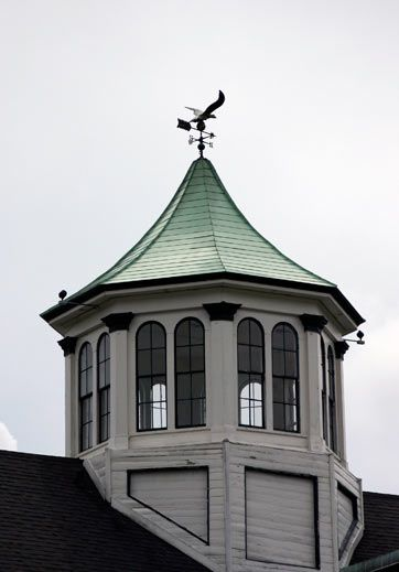 13 best widow 39 s walk images on pinterest widow 39 s walk for Houses with cupolas