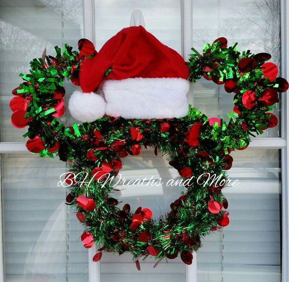 Mickey Mouse lovers....decorate for Christmas with this extremely Christmas Mickey Mouse Design.