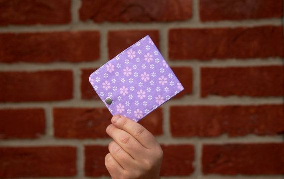 Sieh dir dieses Produkt an in meinem Etsy-Shop https://www.etsy.com/de/listing/482299029/womens-kreditkarteninhaber-kreditkarten #fabricwallet #purplewallet #womanwallet #businesscardholder #creditcardholder #cardholder #Visitenkartenhalter #Damentasche #violetwallet #kidswallet #slimwallet