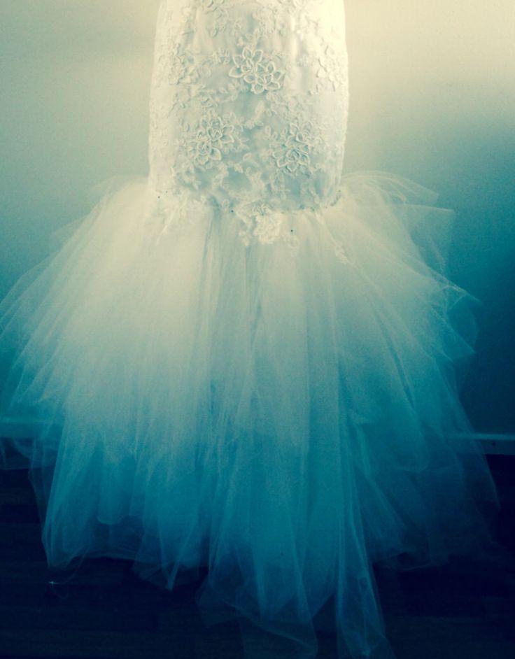 Making of wedding dress #lace wedding dress# open back #tulle hem #pitsinen hääpuku #avoin selkä #tyllihelma