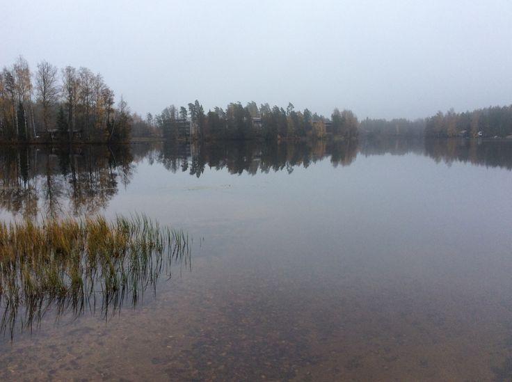 Lehmijärvi lokakuussa.