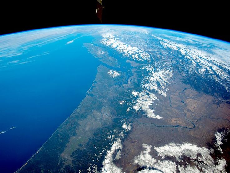 Wednesday, Sep. 13, 2017: Along the west coast of North America, the Cascadia subduction zone stretches more than 1,000 kilometers from Vancouver Island to Cape Mendocino, Calif. It produced a magnitude 9 megathrust earthquak…