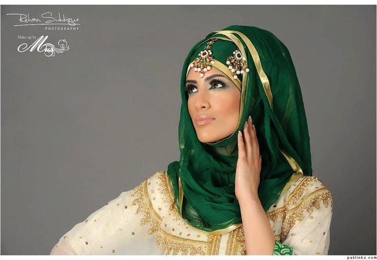 Pretty in green   modesty and magnificence all rolled into one :P