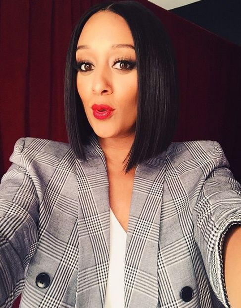Middle Part Asymmetrical Bob Tia Hardrict Make Me Over Up And Hair In 2018 Pinterest Styles Short