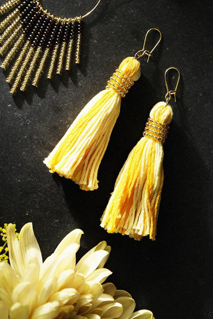 Tassel earrings with rocaille www.panduro.com Jewellery by Panduro #jewellery #jewelry #earrings #smycken #örhängen #tassel #rocaille #rocailles #pärlor #beading #beads