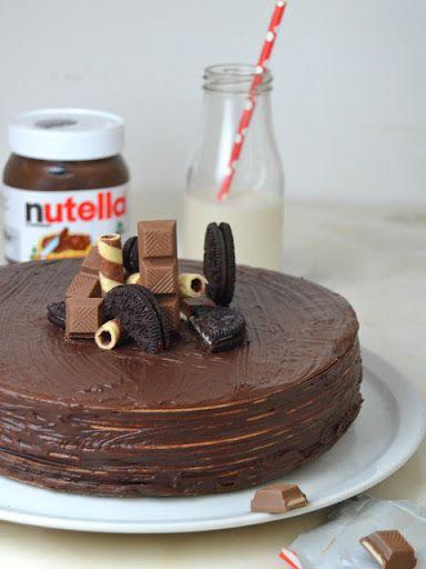 Tarta de Nutella y obleas ¡La tarta de chocolate más fácil del mundo!