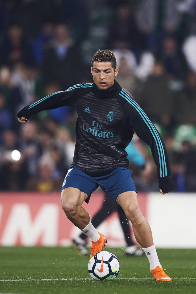 Cristiano Ronaldo Photos - Cristiano Ronaldo of Real Madrid controls the  ball during a Real Madrid training session prior to the La Liga match  between Real ... a1a811297289f