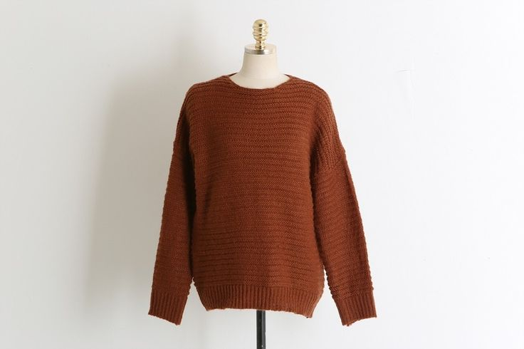 Wool boxy Knit Sweater Model  SMT4060 Condition  New Wool knit sweater for women, boxy style knit Sweater Color : Brown, Navy, Black, Ivory, Wine, Khaki Marterial : Wool 30% + Acrylic 70%