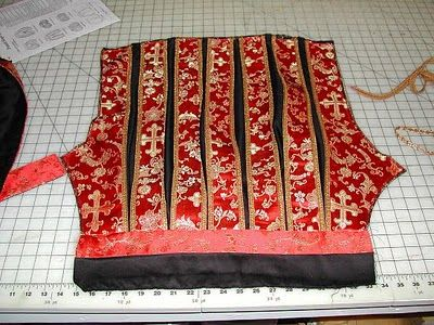 Stitches and Seams: Ren Faire Costume - Thou Art Getting There