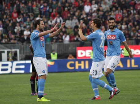 Il Napoli non si ferma più e vince anche a Cagliari: la partita vista dai tifosi