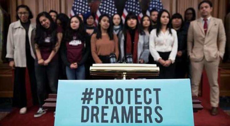 """El presidente de Estados Unidos, Donald Trump, cree que los inmigrantes conocidos como """"soñadores"""" son """"buena gente"""" y """"deberían poder quedarse en el país""""."""