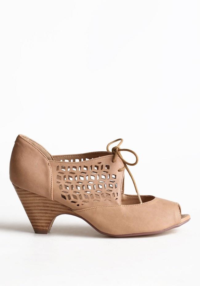 jazz nude heels ++ chelsea crew