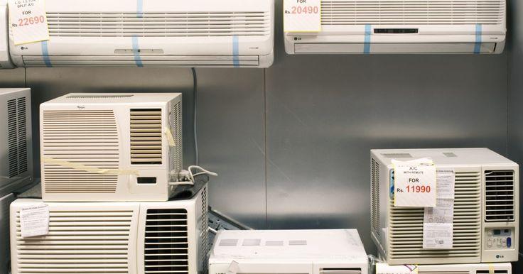 Tipos de compressores de ar condicionado. A parte mais importante de um equipamento de ar condicionado é o compressor de ar, que bombeia o ar resfriado através do sistema. Outro papel que o compressor de ar realiza é comprimir o gás refrigerante a baixa pressão. Existem diversos tipos diferentes de compressores usados em equipamentos de ar condicionado, e seu uso depende do tamanho da ...