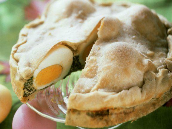 Osterküche... Blätterteig-Spinat-Eier-Torte zu Ostern Rezept   http://eatsmarter.de/rezepte/spinat-eier-torte-zu-ostern