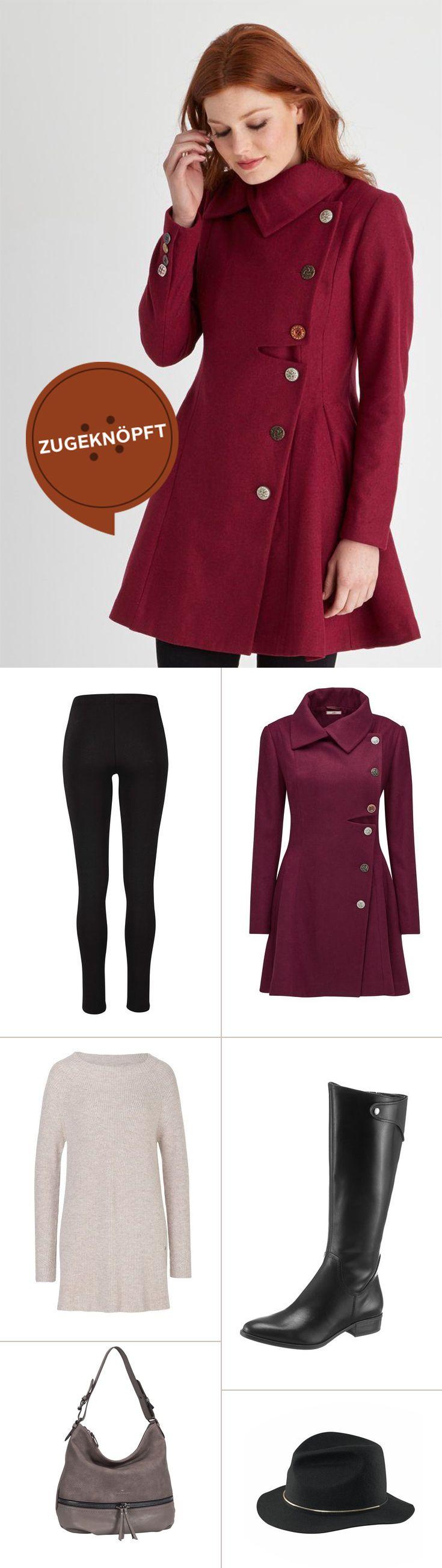 Erdige Farben wie bordeaux kommen im Herbst besonders gut zur Geltung. So wie hier mit dem eleganten Kurzmantel, den du je nach Belieben mit einem überlangen Pullover, Leggins und Stiefeln kombinieren kannst. Mit dem Hut setzt du stylische Akzente.