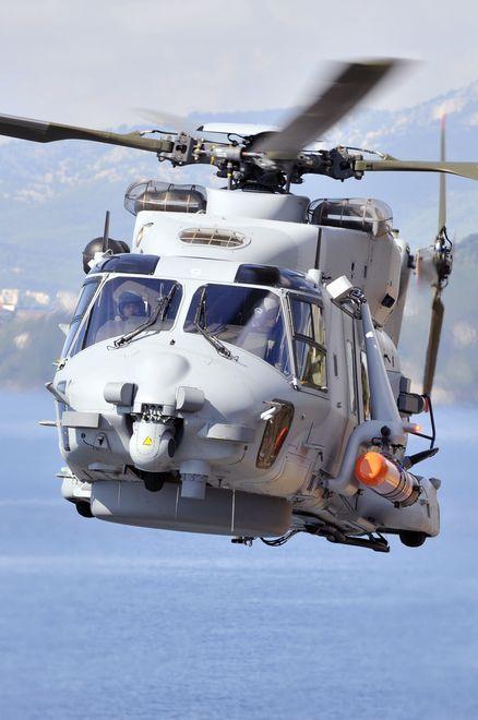 L'hélicoptère Caïman Marine devient « avion d'arme ». - © Marine nationale
