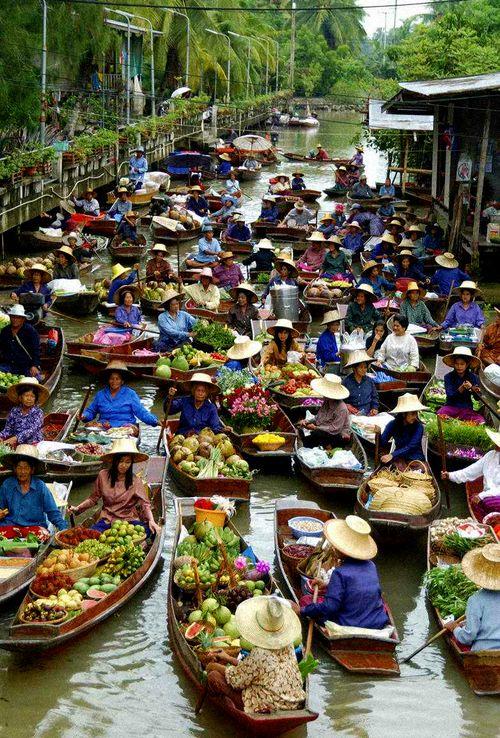 Floating Market,Bangkok,Thailand ~ always reminds me of that Bond film ;)