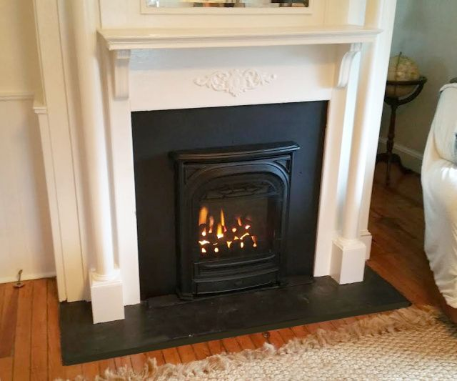The 25 Best Gas Insert Ideas On Pinterest Gas Fireplace Inserts Fireplace Surround Diy And