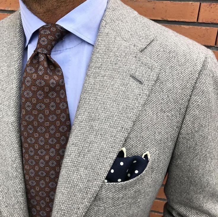 ViolaMilano Printed Wool tie & Classic polka dot wool/silk pocket square #AW17 #Elegance #Fashion #Menfashion #Menstyle #Luxury #Dapper #Class #Sartorial #Style #Lookcool #Trendy #Bespoke #Dandy #Classy #Awesome #Amazing #Tailoring #Stylishmen #Gentlemanstyle #Gent #Outfit #TimelessElegance #Charming #Apparel #Clothing #Elegant #Instafashion