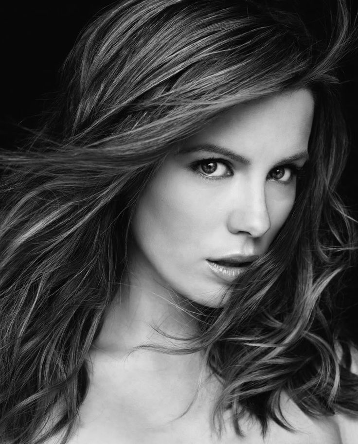 "Kathrin Romary ""Kate"" Beckinsale  Born: July 26, 1973, Finsbury Park, London  Height: 5' 7"" (1.70 m)"
