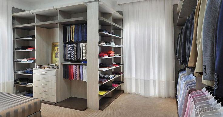 Closet com cortina Branca
