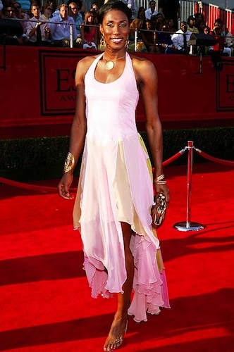 lisa leslie red carpet fashion *Get paid for your sports passion at www.sportsblog.com