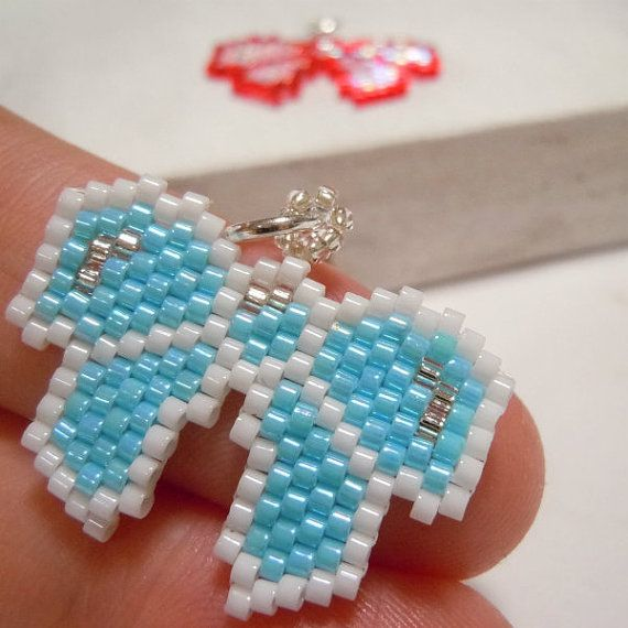 Kawaii peyote stitch bow
