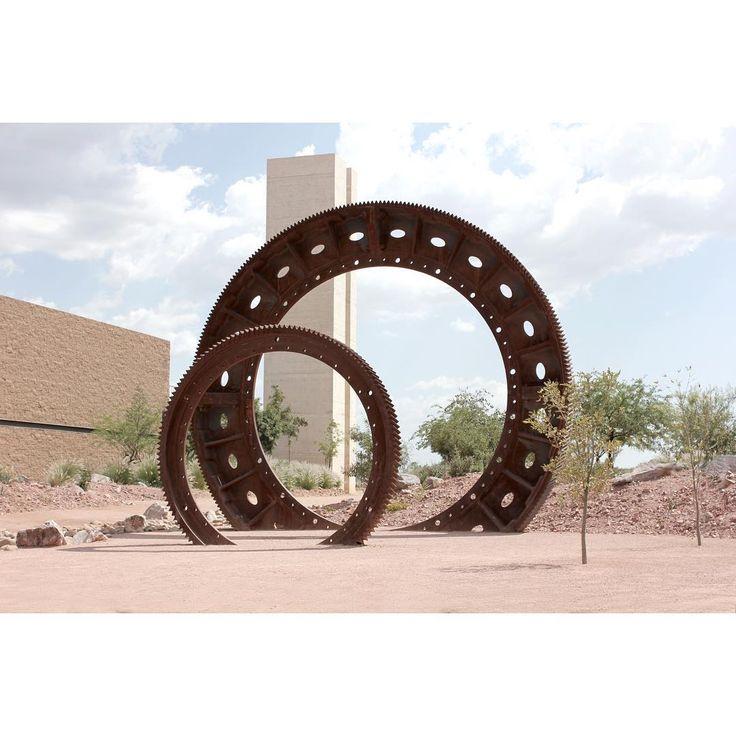 #engrane #gears #sculpture #m_m_g_g #ParqueTamosura #manuelmuzgg #manuelmunozgomezgallardo #contemporaryart #art #cananea #cananeasonora #grupomexico #buenavistadelcobre #royalbritishsocietyofsculptors #rbs #escultor #escultormexicano #arte #artemexicano #escultura #sonora #sonoramexico
