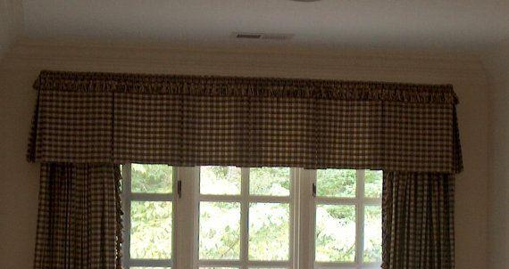 Traitement de fenêtre sur mesure cantonnière par KimberlysDesign