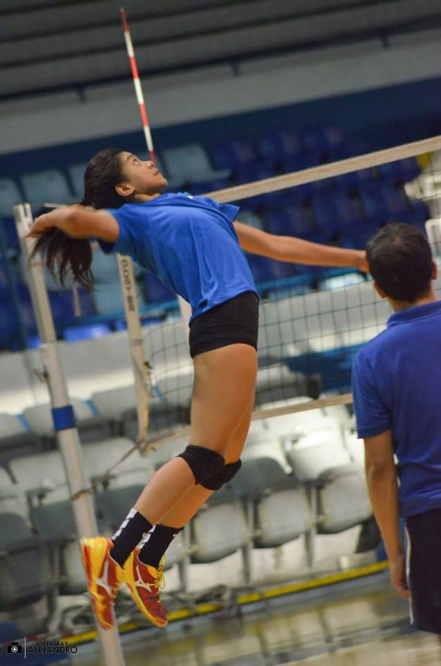 The Philippines' Volleyball Phenom. Ateneo Lady Eagles' queen and ace. ALYSSA CAYMO VALDEZ. Isn't her form majestic?