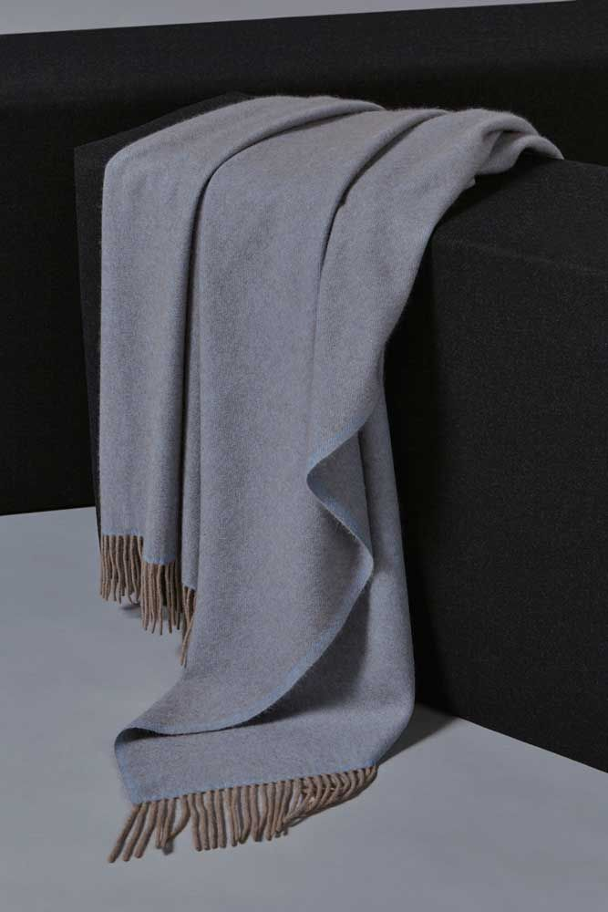 Uno Cashmere Throw Blue/Taupe