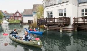 Kanus und Kajaks im Best Western Plus Marina Wolfsbruch in Rheinsberg. Perfekte Freizeitmöglichkeiten für die ganze Familie.