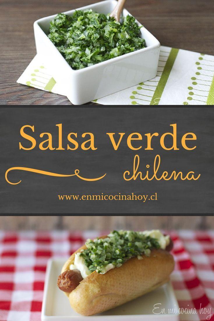 La salsa verde chilena, es otro de los acompañamientos clásico en nuestros completos. Solo perejil y cebolla la componen. Refrescante y deliciosa.