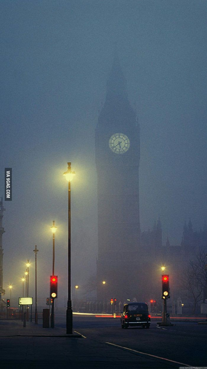 You guys like foggy nights? - 9GAG