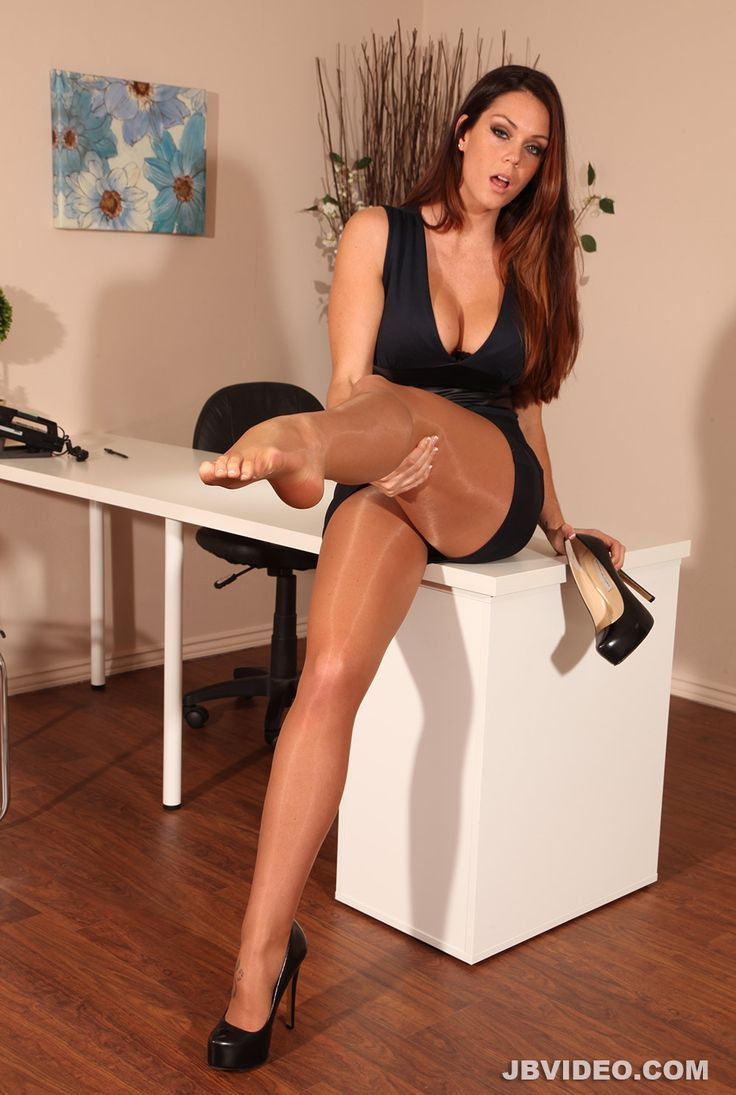 Women in pantyhose galleies