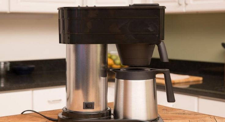 How to clean Bunn Coffee Maker. Use white vinegar for a safe and thorough cleaning! Great tip!