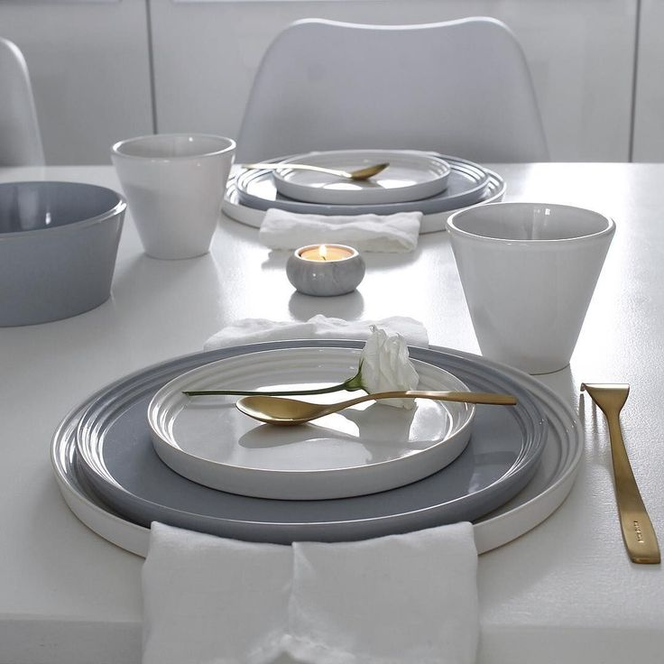 Norli tableware in white and grey-blue. Photo by @hannenov
