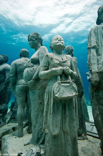 Picture-Image-Duniya: Museum of underwater sculptures in Mexico, Underwater Sculpture Cancun and Isla