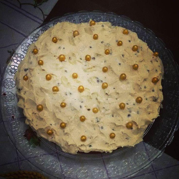 ... continuando a ceia com a sobremesa: bolo red velvet maravilindo feito em casa. Ficou impecável! #bolo #redvelvet #veludovermelho #sobremesa #ceia #ceiadenatal #feitoemcasa #homemade #cake #dessert
