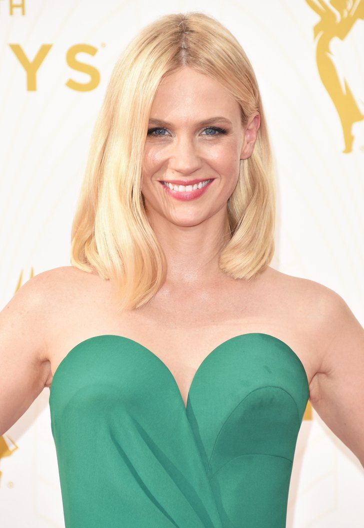 Pin for Later: Zoom Sur Tous les Beauty Looks des Emmy Awards January Jones