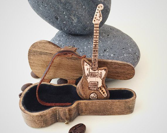 Boyfriend birthday gift, Custom guitar pick holder and electric guitar 3″, Personalized guitar gift