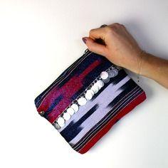 Pochette vintage sac avec dragonne ethnique avec pièces orientales velours bleu