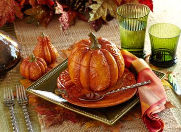 #table-settings #holiday-table