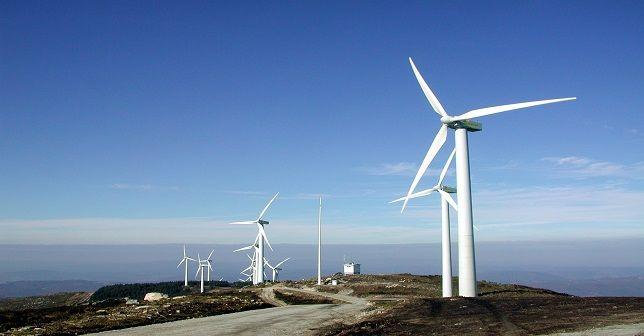 Dünya 'rüzgar ekip' elektrik biçiyor  Rüzgar enerjisinde önemli atılımlar yapılırken, rüzgar santrallerinin sayısı artıyor. 2012'de dünya rüzgar enerjisi pazarı yüzde 10 büyüdü.  http://www.portturkey.com/tr/enerji/30405-dunya-ruzgar-ekip-elektrik-biciyor