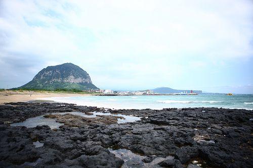 KOREA_Yongmeori+Beach+in+Jeju+1+(제주+용머리해안)