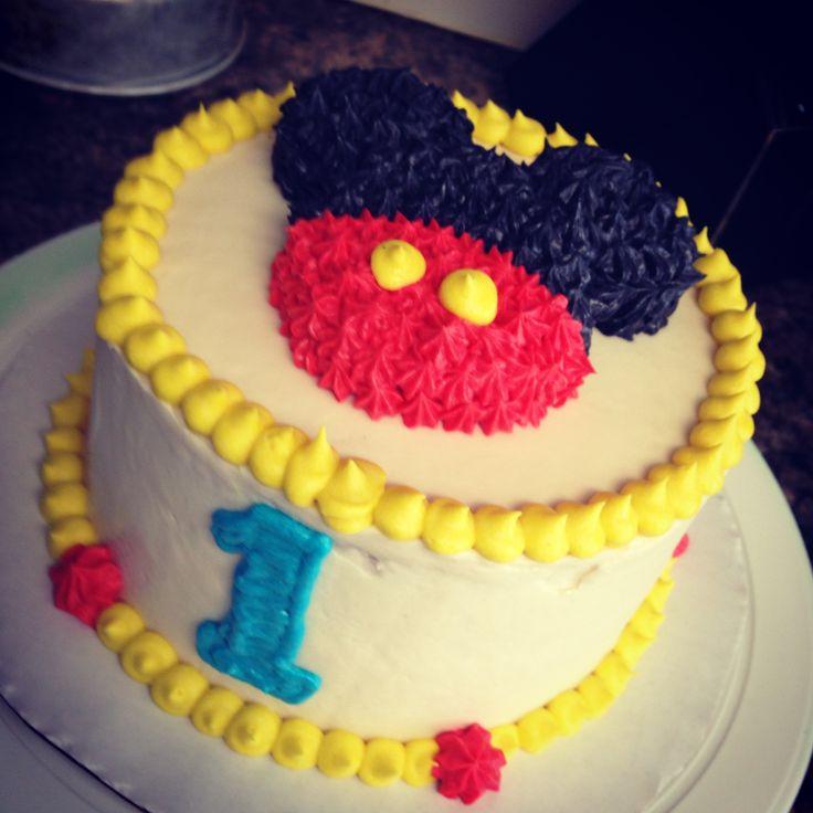 Mickey Mouse Smash Cakes Buttercream