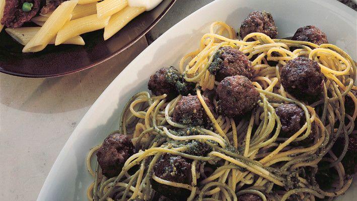 Spagetti m/ kjøttboller og pesto