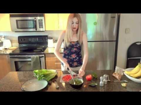 Raw Vegan Taco Town With Leija * Quick, Healthy & Tasty Recipe