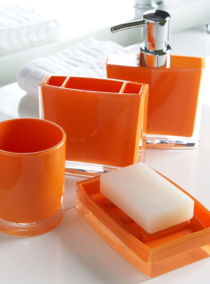 The 25 best orange bathrooms ideas on pinterest orange for Accessoire salle de bain beige